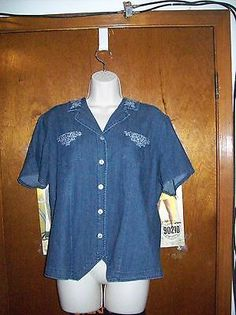 Demin & Co Short Sleeved Button Down Blouse Size Large