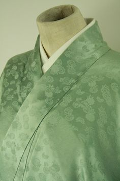 Shiny green, hitoe iro muji kimono / 緑系青磁色細かな菊花柄一つ紋付単衣色無地