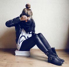 Faux leather leggings, biker boots, boyfriend t-shirt- perfect casual outfit