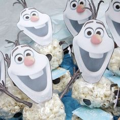 Olaf Frozen, School Birthday Treats, Olaf Birthday, Frozen Party Decorations, Frozen Themed Birthday Party, Christmas Arts And Crafts, Disney Princess Party, Party Treats, Snack