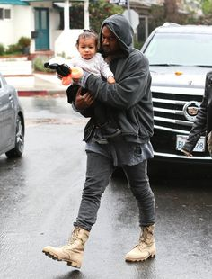Kim Kardashian Photos - Kim Kardashian and Kanye West take their daughter North to a friend's party in Brentwood, California on January - Kim and Kanye Take North to a Party Military Boots Outfit, Combat Boot Outfits, Winter Boots Outfits, Combat Boots, Nike Sfb Boots, Jungle Boots, Look Cool, Streetwear Fashion, Streetwear Men