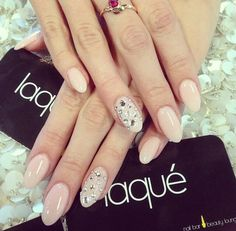 These would be cute nails for prom