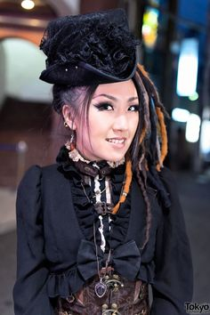 MaRy from the Japanese Steampunk band Strange Artifact