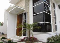 Decor Salteado - Blog de Decoração e Arquitetura : Fachadas de casas com vidro: incolor, verde, azul, fumê, espelhado!
