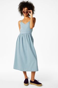 <p>Turnt up to the maxi. Especially this denim maxi dress, with its gathered waist and lovely tie back detail. 100% organic cotton. <br /><br />colour:&nbsp