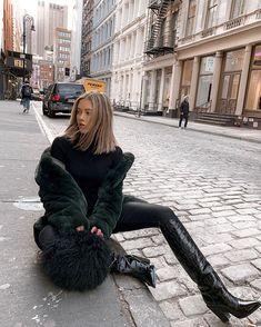 Jourdan Sloane slaying in a Apparis Sigerson Morrison and a gorgeous Charlotte Simone Black Women Fashion, Look Fashion, Womens Fashion, Fashion Trends, 20s Fashion, Fall Fashion, Fashion Poses, Fashion Vest, Fashion Styles