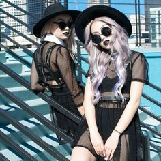 Hair color pastel dark nu goth trendy ideas Hair color pastel dark nu goth trendy ideasYou can find Nu goth and more on our website. Estilo Grunge, Grunge Goth, Soft Grunge, Grunge Style, Estilo Goth Pastel, Estilo Dark, Pastel Goth Fashion, Pastel Grunge, Dark Fashion
