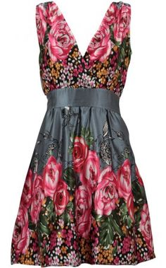 Love roses on everything - Rose and Flower print dress. pussycatlondon.com