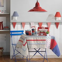 Lovely lamp and nice colour combination