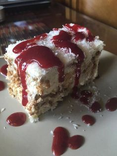 papatrexas.gr: ένα γλυκάκι πανεύκολο, γρήγορο και απολαυστικό για... Greek Sweets, Greek Desserts, Cold Desserts, Party Desserts, Greek Recipes, Cookbook Recipes, Sweets Recipes, Candy Recipes, Cooking Recipes