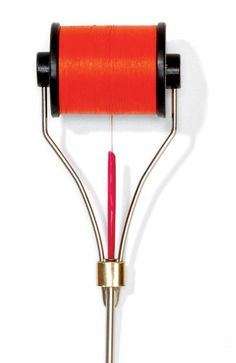Avoid Thread Tangles When Fly Tying When tying flies, I used to have trouble with a thread loop forming around the spool as I made wraps wit. Fly Fishing Tips, Fishing Knots, Gone Fishing, Trout Fishing, Fishing Lures, Fishing Stuff, Fly Tying Tools, Fly Tying Materials, Fly Gear