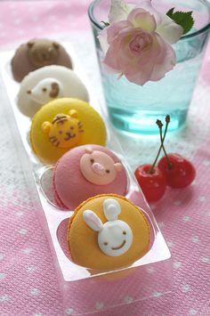 Macarons.. /// cute decorations on macarons