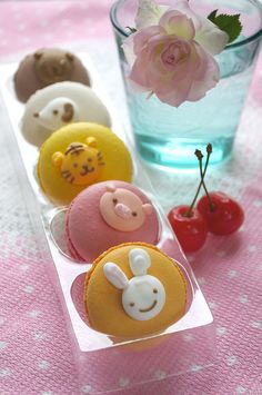 Adrianna's Macaron: Get Creative with Macarons!