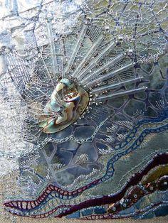 Crinkle, center -- Textile art by Carol Walker Textile Fiber Art, Textile Artists, Book Art, Creative Textiles, Textiles Techniques, Crazy Patchwork, Art Plastique, Fabric Art, Medium Art