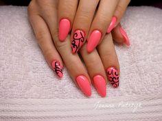 Stylizacja paznokci: różowe migdałki