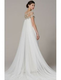 One of my favorite gowns ever! (Marchesa: Fall I see a variation of Lauren Bush's wedding dress here. Wedding Attire, Wedding Gowns, Marchesa Wedding Dress, Marchesa Bridal, Ivory Wedding, Beautiful Gowns, Dream Dress, Bridal Dresses, Wedding Styles