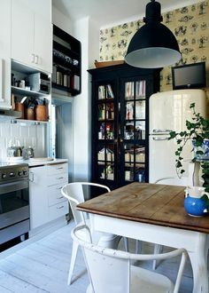 Feng Shui, Old Kitchen, Clever Design, Cuisines Design, Beautiful Kitchens, Comfort Zone, Home Kitchens, Ideal Home, Kitchen Design