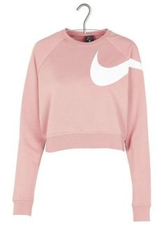 Sweat court sérigraphié Rose by NIKE Nike Outfits, Adidas Outfit, Sporty Outfits, Trendy Outfits, Fashion Outfits, Tennis Outfits, Cropped Hoodie Outfit, Stylish Hoodies, Tennis Clothes