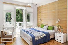 Sypialnia w spokojnym artdecowskim stylu.