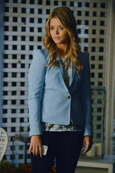 We love this business casual look on Alison! #PLL