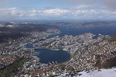 #bergen #chillife Tinder Dating, Man Projects, Best Youtubers, Have Some Fun, Cityscapes, Bergen, Grand Canyon, Rome, City Photo