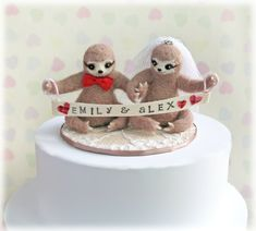 Sloth cake topper as seen on @offbeatbride #sloth #wedding #cake