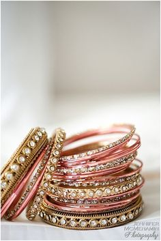 Ideas For Jewerly Gold Bangles Jewels Bridal Bangles, Gold Bangles, Wedding Jewelry, Thread Bangles, Bangle Set, Bangle Bracelets, Pink Bracelets, Bollywood, Indian Accessories