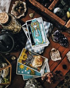 Beginners Guide to Tarot: How Readings Can Increase Your Self-Awareness | Life Goals Mag
