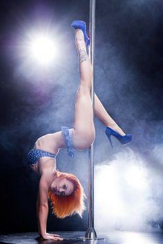 berenikaa Berenika Nienadowska pole dance tetris sexy high heels smoky
