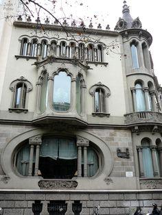 Casa Pérez Samanillo. Architect: Joan Josep Hervàs i Arzimendi. Barcelona - Diagonal
