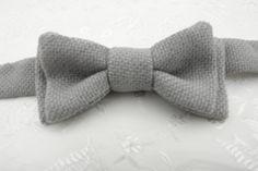 Grey Bow Tie. Grey Bowtie. Grey Cotton Bow Tie. Pre Tied Bow Tie by LittleQueenBowtique on Etsy