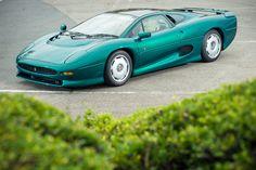 1991 Jaguar XJ220 - Silverstone Auctions