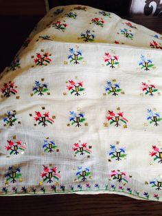 Cross Stitch Baby, Cross Stitch Flowers, Cross Stitch Charts, Cross Stitch Designs, Wool Embroidery, Embroidery Patterns, Machine Embroidery, Cross Stitch Geometric, Linen Napkins