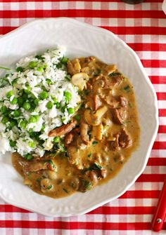 A legegyszerűbb gombás tokány Meat Recipes, Whole Food Recipes, Cooking Recipes, Healthy Recipes, Hungarian Recipes, Italian Recipes, In Defense Of Food, Food Lab, Pub Food