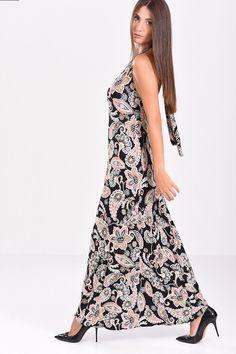 6e25c401579f Φόρεμα εμπριμέ σε μαύρες αποχρώσεις