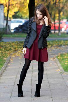 Piękna bordowa sukienka in 2020 Stylish Winter Outfits, Casual Fall Outfits, Winter Fashion Outfits, Look Fashion, Autumn Fashion, Womens Fashion, Burgundy Dress Outfit, Dress Outfits, Dress Black