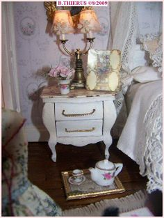 View album on Yandex. Diy Dollhouse, Dollhouse Miniatures, Mini Things, Doll Furniture, Shabby Chic Decor, Dollhouses, Minis, French Style, Bedrooms