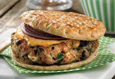 Recette Hamburgers de poulet au fromage feta et aux épinards - Coup de Pouce