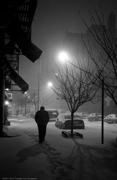 "Example : ""The New York Christmas Blizzard"" by Thorsten von Overgaard (© 2011-2014). #Leica M9 To read the Story Behind That Picture, click here: http://overgaard.dk/the-story-behind-that-picture-0110_gb.html"