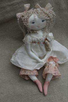 Organdi, robe de printemps et petits pantalons en dentelle rose...(35cm) - Le Jardin des Farfalous
