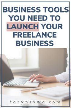 Top freelancing tips: Best online business tools to use when launching your virtual assistant business! Starting A Business, Start Online Business, Business Tips, Business Entrepreneur, How To Get Clients, Virtual Assistant Services, Time Management Tips, Blog Love, Work From Home Moms