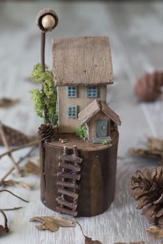 Clay Houses, Ceramic Houses, Wooden Houses, Scrap Wood Crafts, Wooden Crafts, Driftwood Projects, Driftwood Art, Miniature Fairy Gardens, Miniature Houses