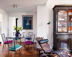 En un personal ejercicio de eclecticismo, la diseñadora de moda Carla Rebuelta ha reunido en su casa madrileña calidez, modernidad y dinamismo. Antes, la reforma del arquitecto mexicano Jean Porsche...