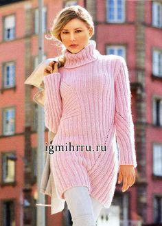 Удлиненный мягкий свитер с диагональными узорами. Вязание спицами