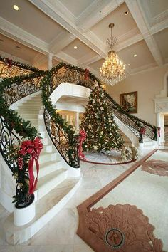 Below are the Christmas Staircase Decoration Ideas. This article about Christmas Staircase Decoration Ideas was posted under the category by our team at April 2019 at pm. Hope you enjoy it and don't forget to share this post. Christmas Stairs Decorations, Christmas Entryway, Noel Christmas, All Things Christmas, Houses Decorated For Christmas, Christmas Decorations For The Home Living Rooms, Christmas Lights, Double Staircase, Grand Staircase