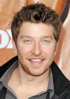 He is the definition of perfect and sweet and I love him 😍❤️❤️😍😍🔥😍😍😍😍😍😍 Beautiful Eyes, Gorgeous Men, Beautiful People, Country Singers, Country Music, Country Men, Country Life, Brett Eldredge, Handsome Boys