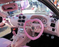 pink car ♥ lol :-)