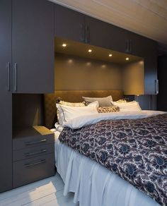 5 Bold Tips: Minimalist Bedroom Color Shelves minimalist home vintage interior design.White Minimalist Bedroom Pictures minimalist home essentials woods. Closet Bedroom, Cozy Bedroom, Home Decor Bedroom, Fancy Bedroom, Master Closet, Closet Office, Bedding Decor, Bathroom Closet, Queen Bedroom