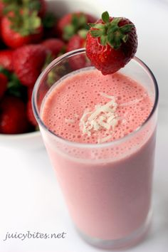 Strawberry smoothie with coconut milk http://papasteves.com/blogs/news