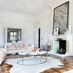 Modern living room with parquet flooring  // living room
